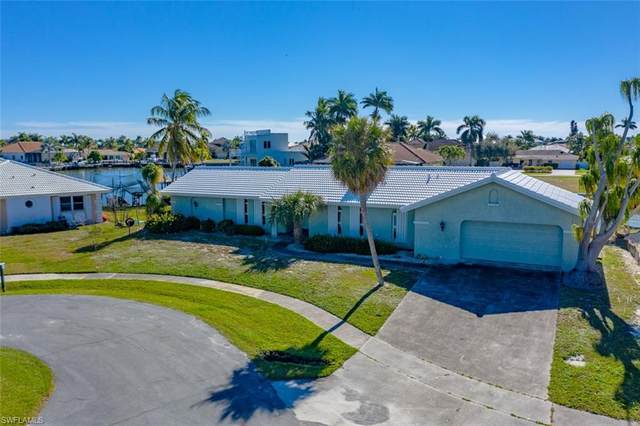 1359 Waikiki Ct, Marco Island, FL 34145 (MLS #221002187) :: Premiere Plus Realty Co.