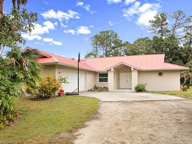 1860 17th St SW, Naples, FL 34117 (MLS #221002418) :: Premier Home Experts