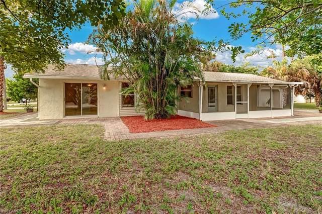 1301 Grand Canal Dr, Naples, FL 34110 (#221002630) :: The Dellatorè Real Estate Group