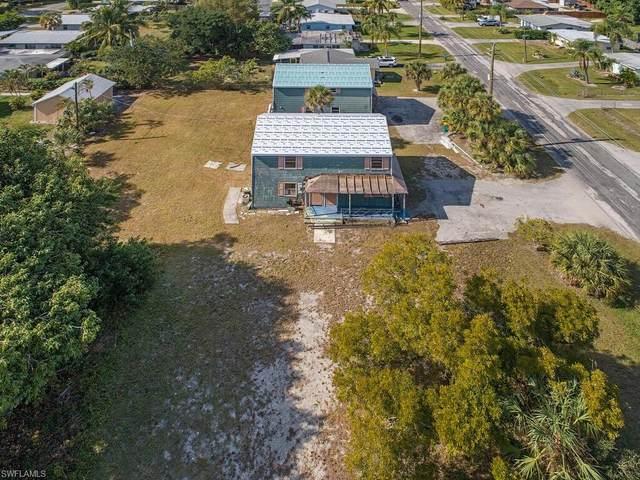 1136 Trail Terrace Dr, Naples, FL 34103 (MLS #221003898) :: Tom Sells More SWFL | MVP Realty