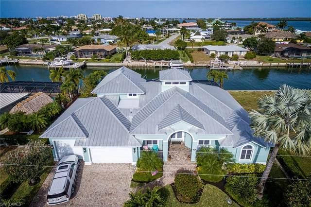 1254 Martinique Ct, Marco Island, FL 34145 (#221004233) :: The Dellatorè Real Estate Group