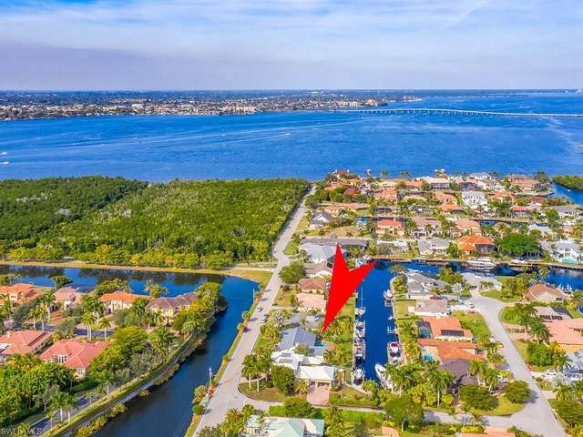 6584 Griffin Blvd, Fort Myers, FL 33908 (MLS #221005185) :: Kris Asquith's Diamond Coastal Group