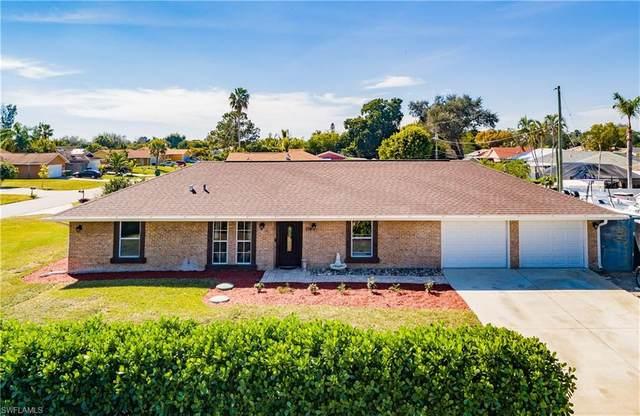 2743 54th St SW, Naples, FL 34116 (#221005789) :: The Dellatorè Real Estate Group