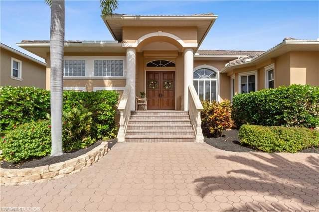 379 Lagoon Ave, Naples, FL 34108 (#221005957) :: The Dellatorè Real Estate Group