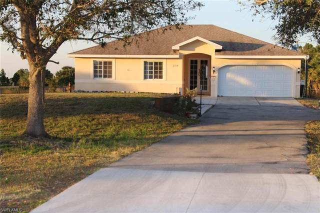 2725 41st Ave NE, Naples, FL 34120 (#221006515) :: Southwest Florida R.E. Group Inc