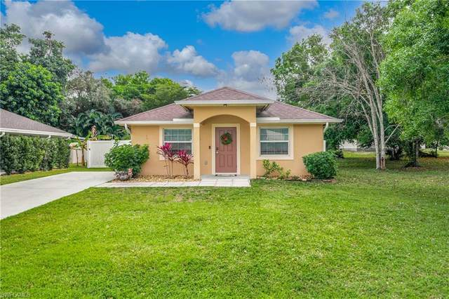 10160 Carolina St, Bonita Springs, FL 34135 (MLS #221011626) :: NextHome Advisors