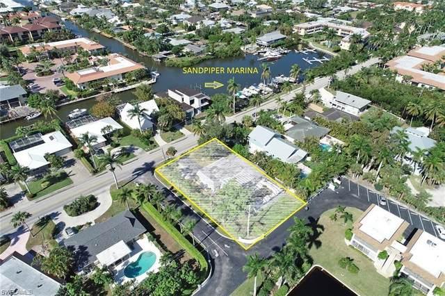 1125 Sandpiper St, Naples, FL 34102 (MLS #221011893) :: BonitaFLProperties