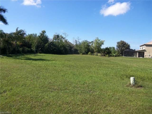 18337 Fairmont Dr, Naples, FL 34114 (MLS #221013077) :: #1 Real Estate Services