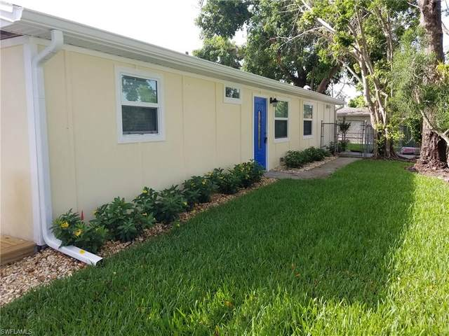 10690 8th St N, Naples, FL 34108 (MLS #221013255) :: The Naples Beach And Homes Team/MVP Realty