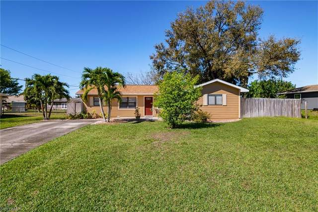 3031 52nd St SW, Naples, FL 34116 (#221013616) :: We Talk SWFL