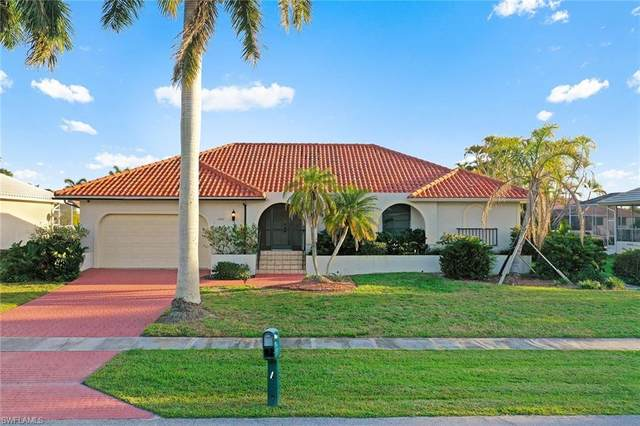 1180 Marlin Ct, Marco Island, FL 34145 (MLS #221013661) :: Kris Asquith's Diamond Coastal Group