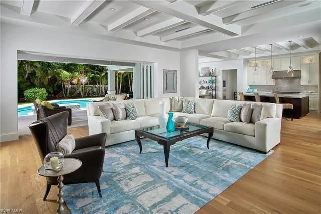 692 Regatta Ct, Naples, FL 34103 (#221013730) :: Vincent Napoleon Luxury Real Estate
