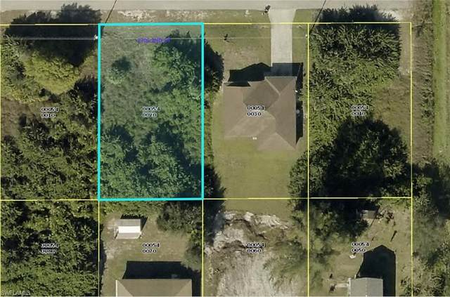2705 2nd St SW, Lehigh Acres, FL 33976 (#221013733) :: The Dellatorè Real Estate Group