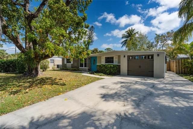1243 Delmar Ln, Naples, FL 34104 (#221014106) :: Vincent Napoleon Luxury Real Estate