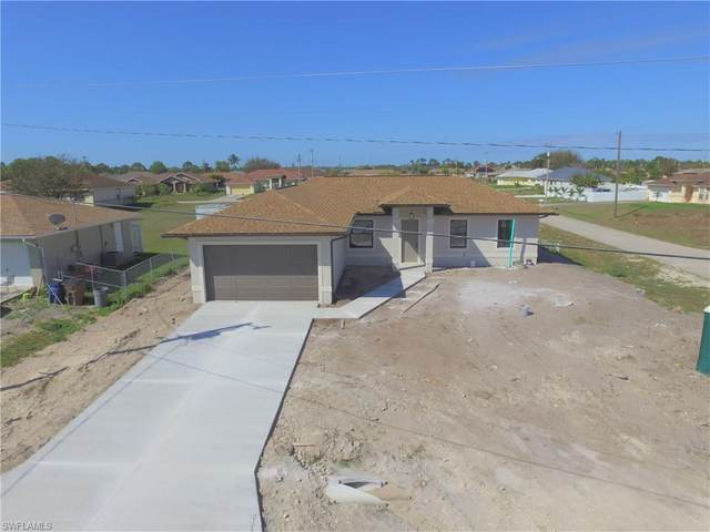 807 Douglas Ave N, Lehigh Acres, FL 33971 (MLS #221014218) :: Dalton Wade Real Estate Group