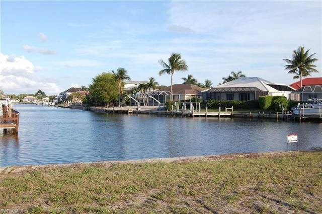 109 Gulfstream St, Marco Island, FL 34145 (MLS #221014280) :: Kris Asquith's Diamond Coastal Group