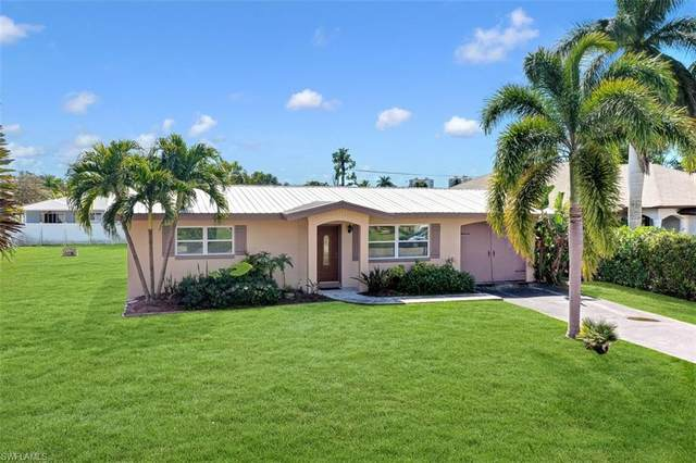 658 97th Ave N, Naples, FL 34108 (#221014425) :: Southwest Florida R.E. Group Inc