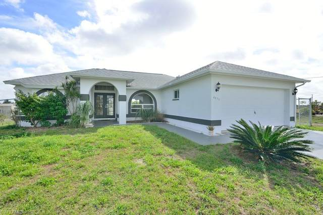4470 20th St NE, Naples, FL 34120 (#221014490) :: Vincent Napoleon Luxury Real Estate