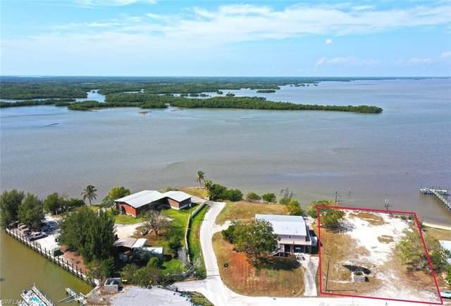 1139 Chokoloskee Dr, Chokoloskee, FL 34138 (MLS #221014922) :: The Naples Beach And Homes Team/MVP Realty