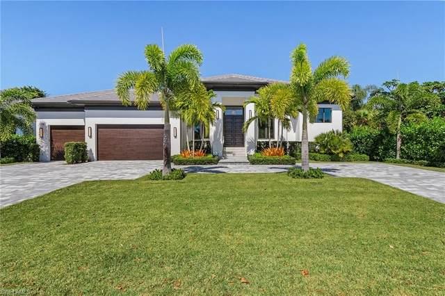 625 Parkview Ln, Naples, FL 34103 (#221014950) :: Vincent Napoleon Luxury Real Estate