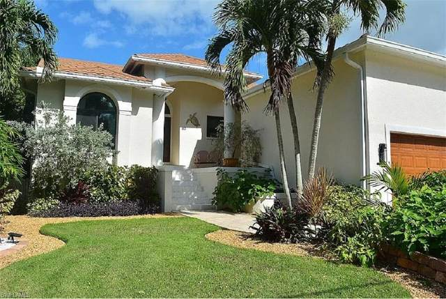 33 Pelican St W, Naples, FL 34113 (MLS #221015012) :: #1 Real Estate Services