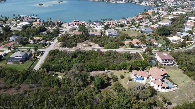 681 Inlet Dr, Marco Island, FL 34145 (#221015286) :: Vincent Napoleon Luxury Real Estate