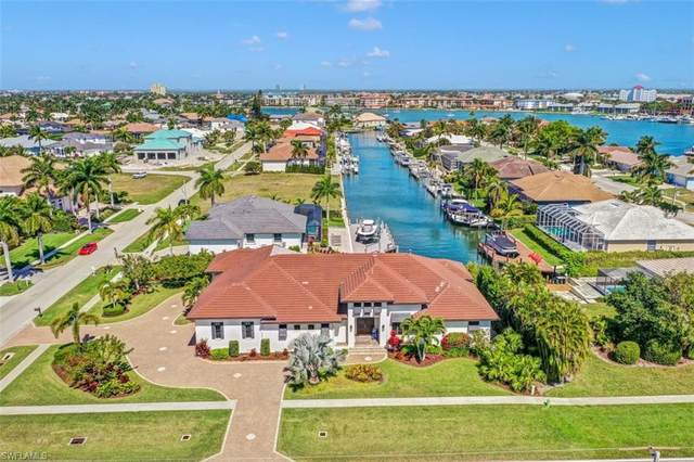 601 Crescent St, Marco Island, FL 34145 (#221015515) :: Vincent Napoleon Luxury Real Estate