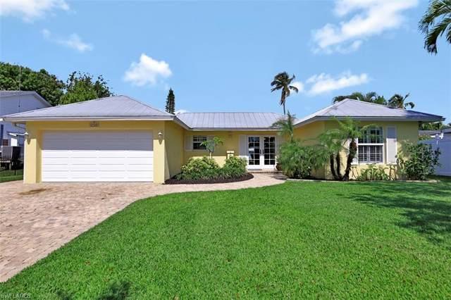 1765 Harbor Ln, Naples, FL 34104 (MLS #221015516) :: Dalton Wade Real Estate Group