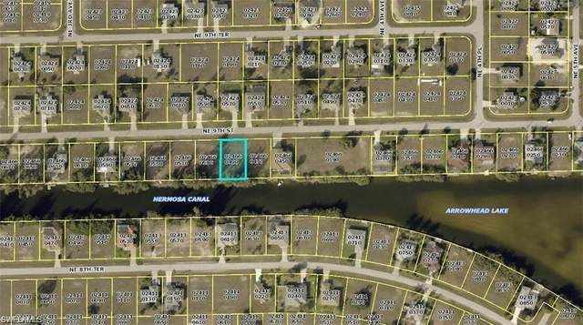 328 NE 9th St, Cape Coral, FL 33909 (MLS #221016126) :: Clausen Properties, Inc.