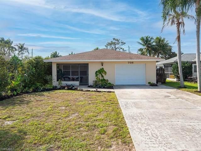 706 109th Ave N, Naples, FL 34108 (#221016557) :: Vincent Napoleon Luxury Real Estate