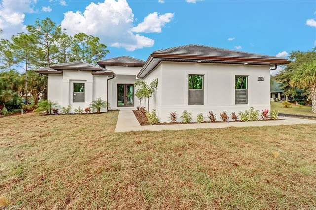1143 29th St SW, Naples, FL 34117 (MLS #221016803) :: Realty World J. Pavich Real Estate