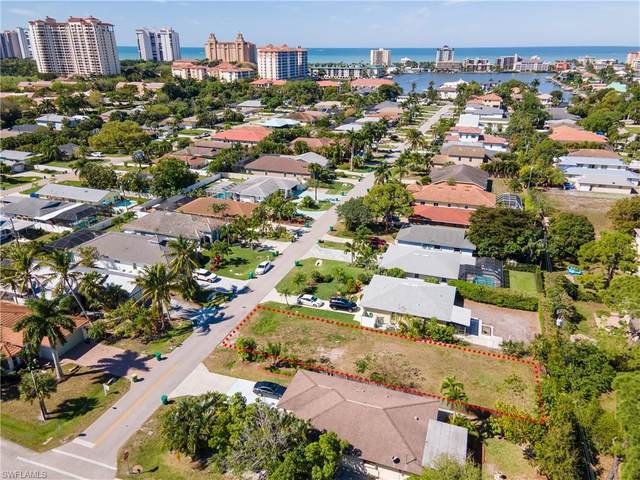 591 93rd Ave N, Naples, FL 34108 (#221017335) :: The Dellatorè Real Estate Group