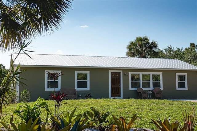 771 12th St NE, Naples, FL 34120 (MLS #221017567) :: The Naples Beach And Homes Team/MVP Realty