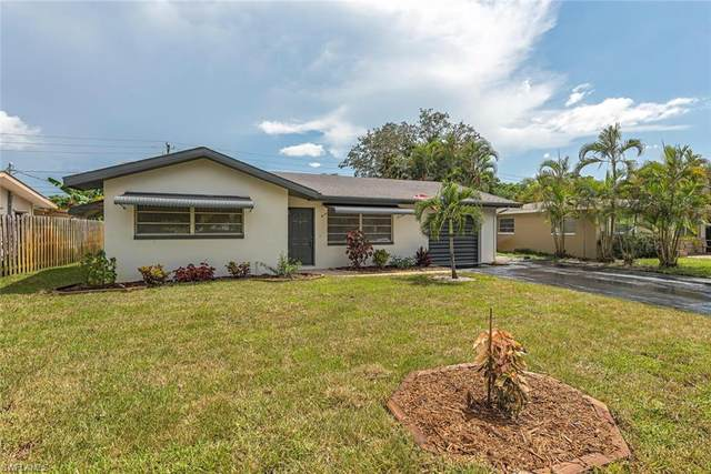 1280 Hilltop Dr, Naples, FL 34103 (MLS #221018804) :: Florida Homestar Team