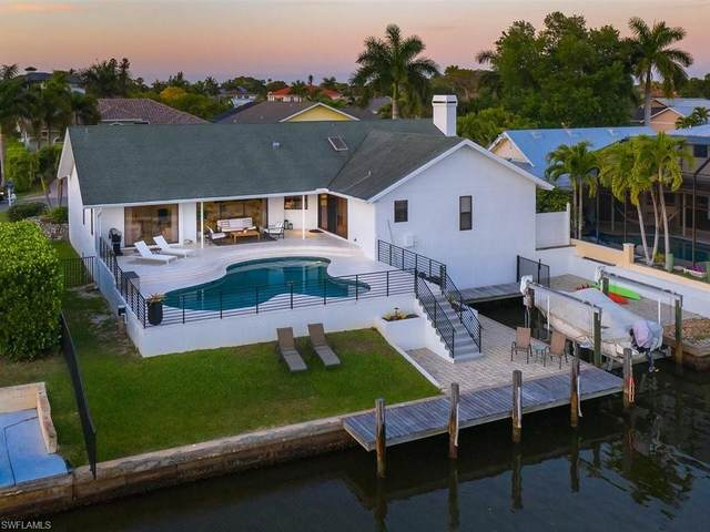 470 Lagoon Ave, Naples, FL 34108 (#221020201) :: Equity Realty