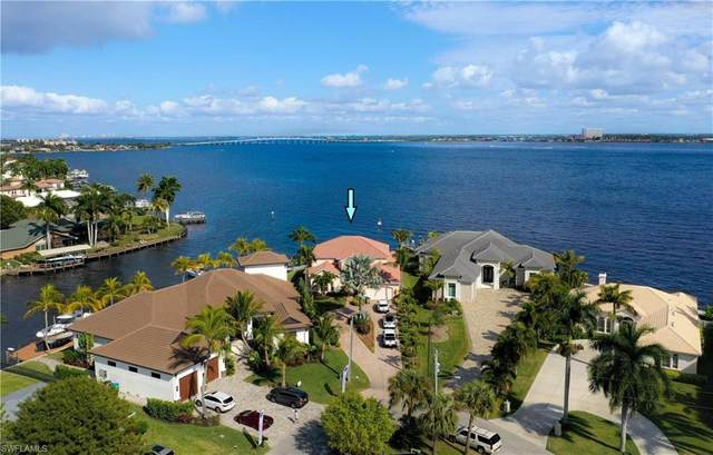 5615 Riverside Dr, Cape Coral, FL 33904 (MLS #221021592) :: RE/MAX Realty Group