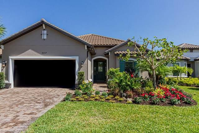 8657 Dilillo Ct, Naples, FL 34119 (MLS #221021670) :: BonitaFLProperties