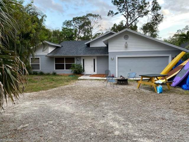 5060 Coral Wood Dr, Naples, FL 34119 (MLS #221022000) :: Tom Sells More SWFL | MVP Realty