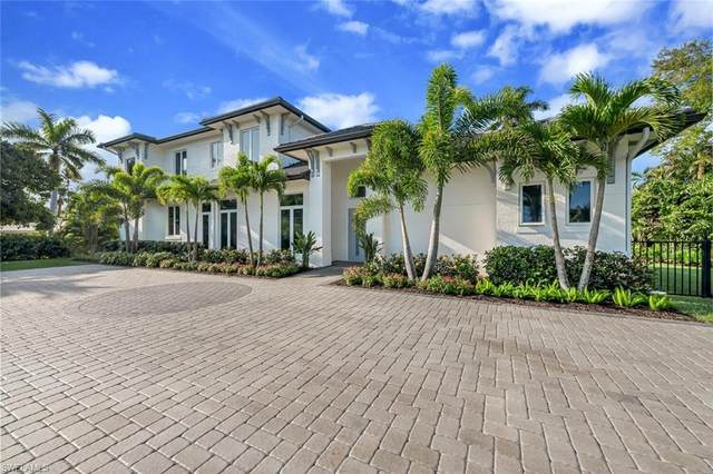 662 Banyan Blvd, Naples, FL 34102 (MLS #221022683) :: Realty World J. Pavich Real Estate