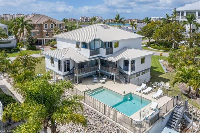 821 Palm St, Marco Island, FL 34145 (MLS #221022998) :: Coastal Luxe Group Brokered by EXP