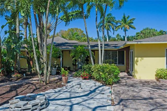 1555 Nautilus Rd, Naples, FL 34102 (MLS #221023625) :: Medway Realty
