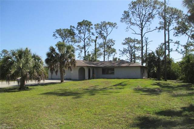 1280 25th St SW, Naples, FL 34117 (#221024948) :: Southwest Florida R.E. Group Inc