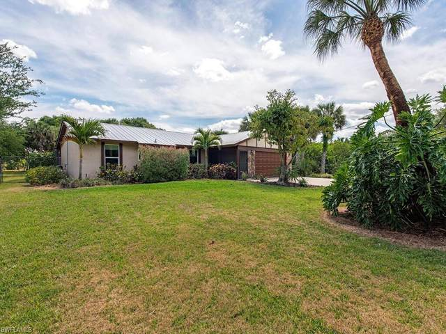 980 13th St Sw, Naples, FL 34117 (MLS #221025961) :: RE/MAX Realty Group