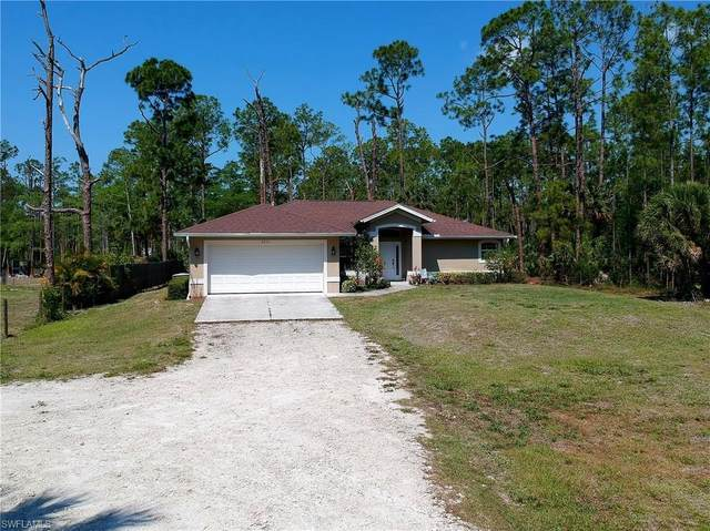 2211 17th St SW, Naples, FL 34117 (MLS #221027122) :: Medway Realty