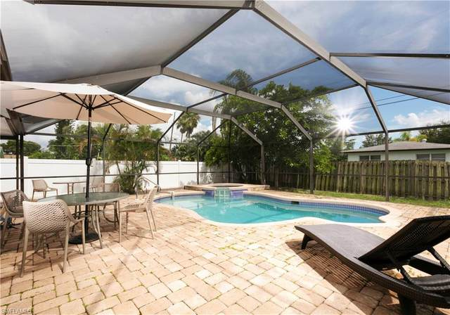 622 93rd Ave N, Naples, FL 34108 (MLS #221027701) :: RE/MAX Realty Group