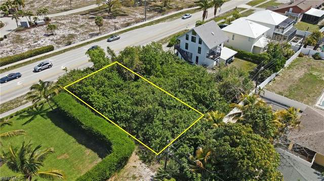 512 111th Ave N, Naples, FL 34108 (MLS #221028869) :: Tom Sells More SWFL | MVP Realty