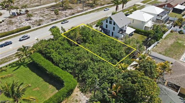 516 111th Ave N, Naples, FL 34108 (MLS #221028872) :: Tom Sells More SWFL | MVP Realty