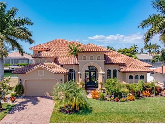 1090 Dana Ct, Marco Island, FL 34145 (MLS #221028969) :: Coastal Luxe Group Brokered by EXP