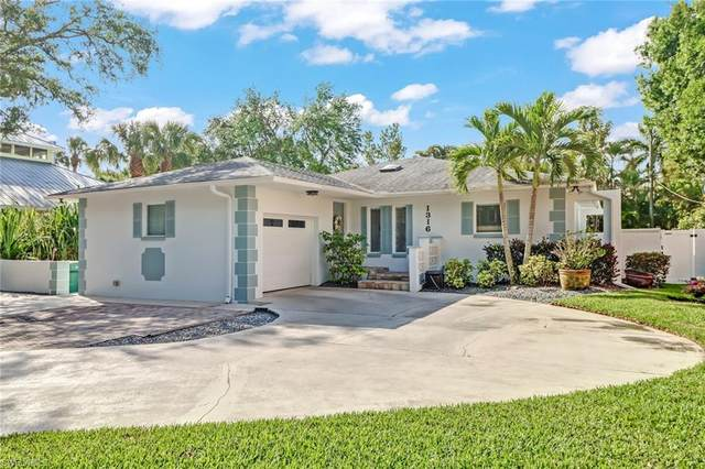 1316 Cypress Woods Dr, Naples, FL 34103 (#221029181) :: Equity Realty