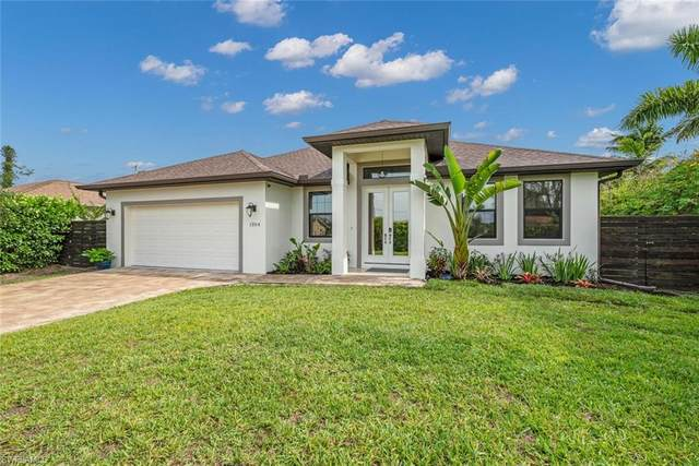 1354 Alhambra Cir S, Naples, FL 34103 (MLS #221029220) :: #1 Real Estate Services
